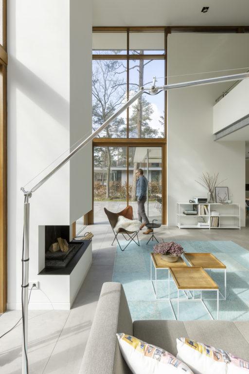 woonkamer modern woonhuis in de bossen in zeist