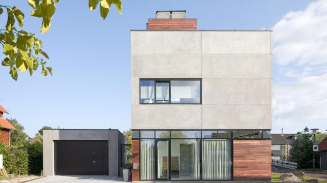 exterieur van de kubuswoning in Aalsmeer door engel architect